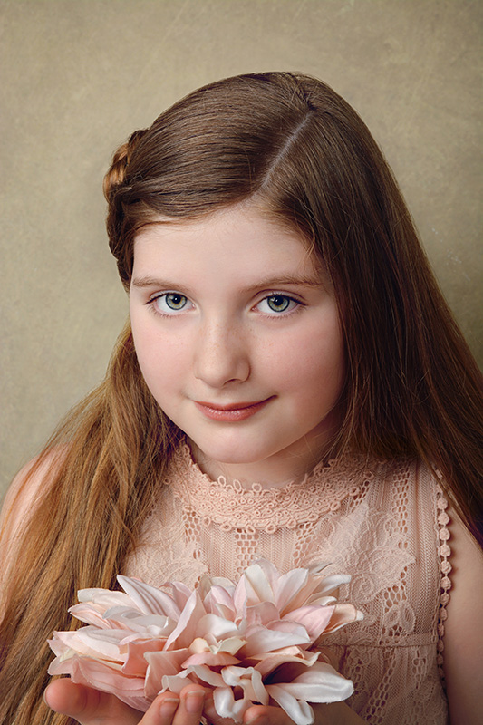 Girl_Studio_Flower_Portrait